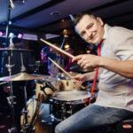 Алексей Ивчиков стал одним из музыкантов оркестра Губернского театра Сергея Безрукова